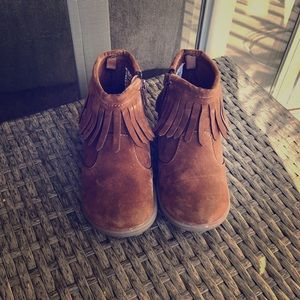Carter size 8 girl boots
